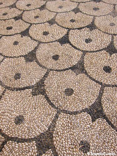 Rhodes rock patterns