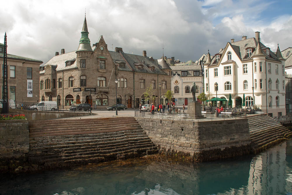 Luxury Alesund Tours