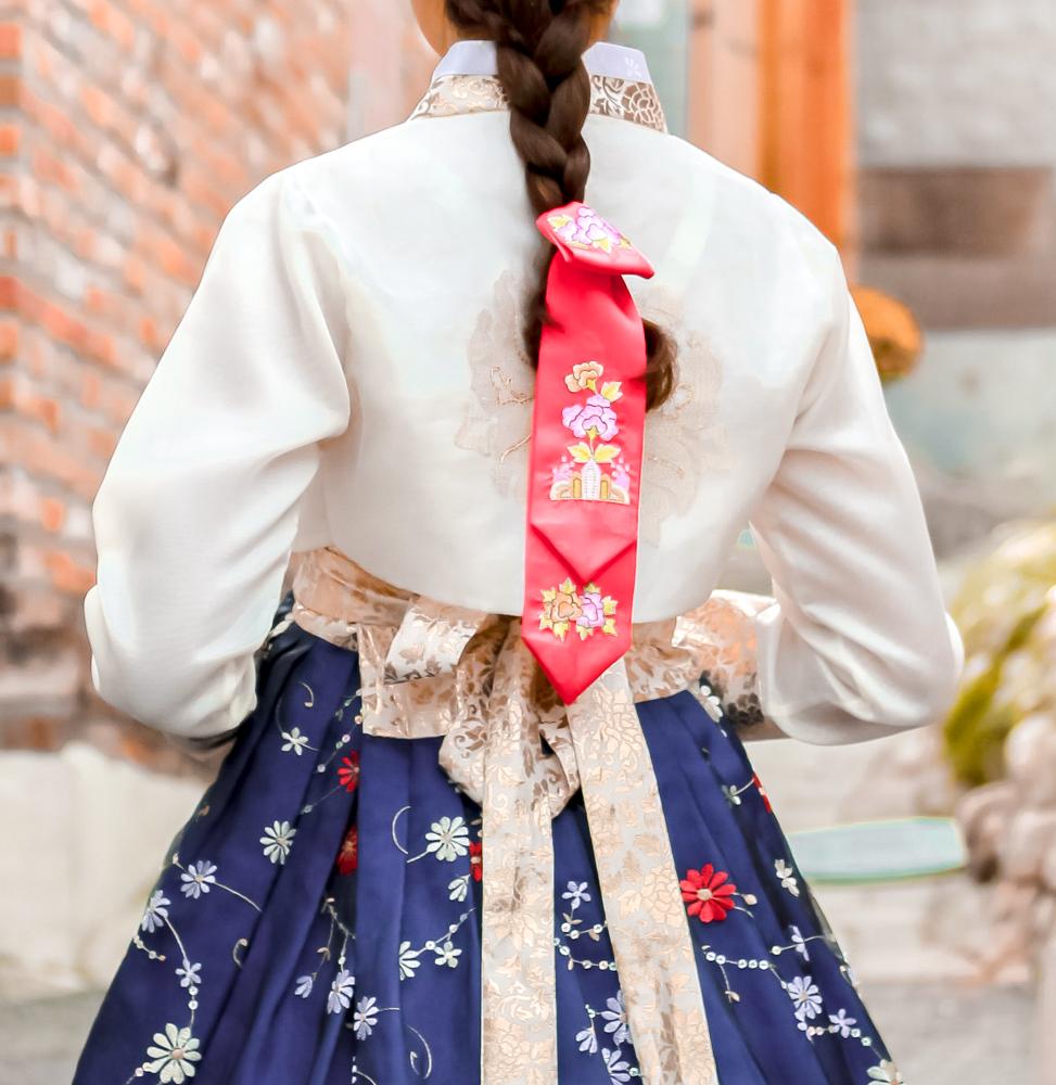 luxury South Korea tours hanbok