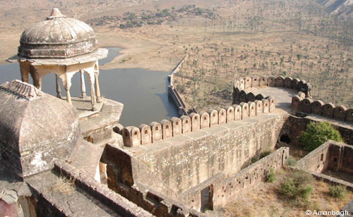 196-Amanbagh-Fort.jpg