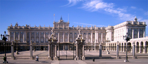 276-Madrid_Royal Palace_Palaciorealmadrid001_cropped_Wikipedia (public domain).jpg
