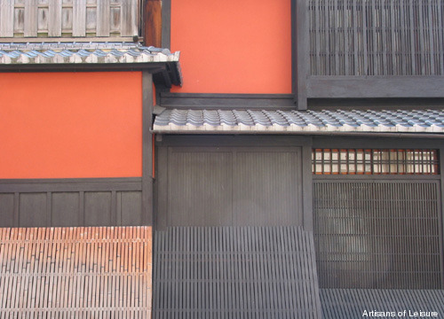 347-tearoom-wall-in-Gion.jpg