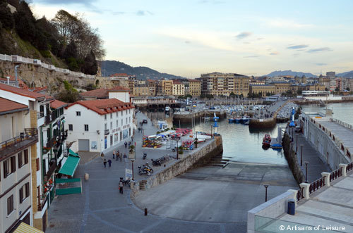 898-San_Sebastian_Port.jpg