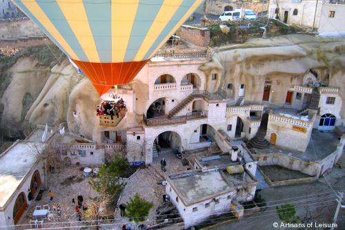948-caves_balloon.jpg